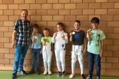 Les médaillés avec leur maître